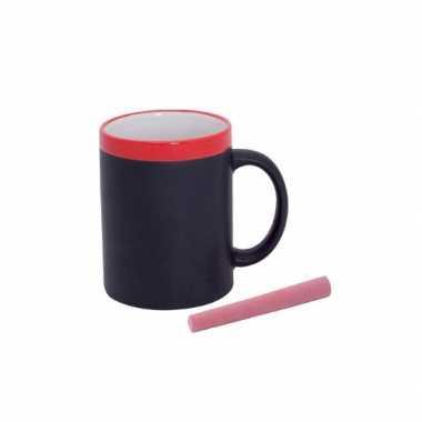 2x rode koffie beker met krijt