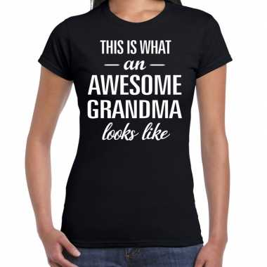 Awesome grandma / oma cadeau t-shirt zwart dames
