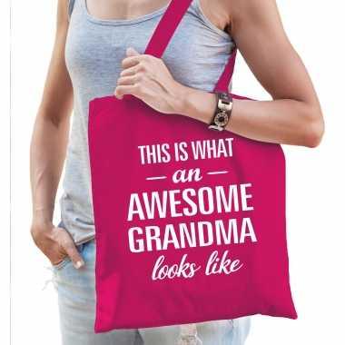 Awesome grandma / oma cadeau tas roze voor dames