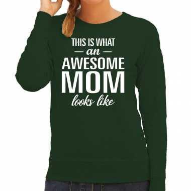 Awesome mom / moeder cadeau trui groen dames