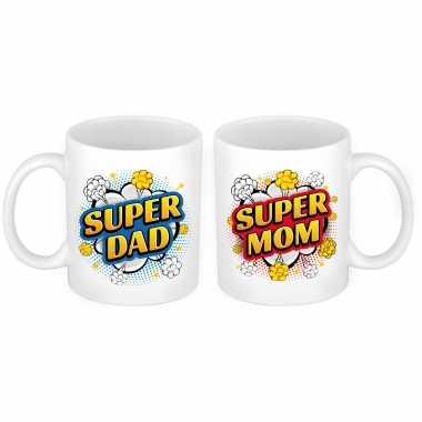 Super dad en mom cartoon mok - cadeau beker set voor papa en mama