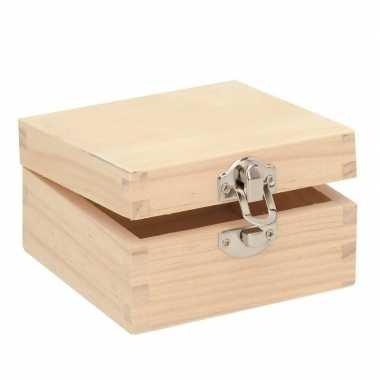 Vierkant houten kistje 7 x 7 x 4 cm